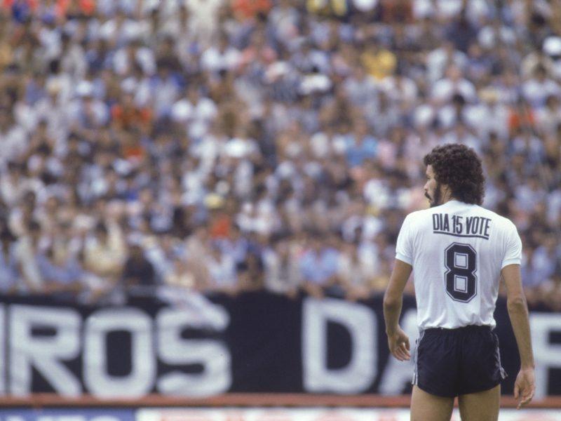 Le migliori T-Shirt sul calcio: Socrates e il Corinthians